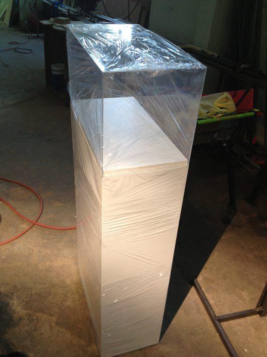 Светещи кутии от плексиглас