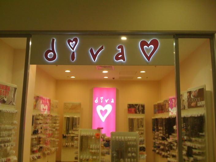 Обемни букви с контражурно осветление за магазин Diva