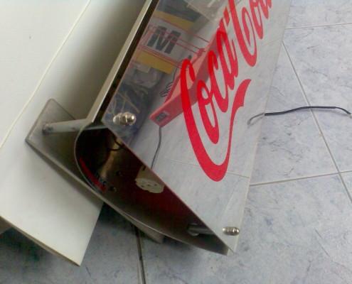 Светещи табели от инокс и стъкло за Coca Cola