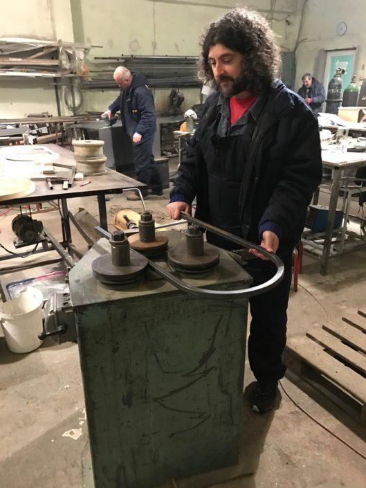 Тръбоогъваща машина за алуминиеви и железни профили