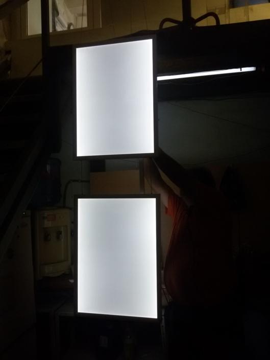 Изработка на две двустранно светещи снап рамки