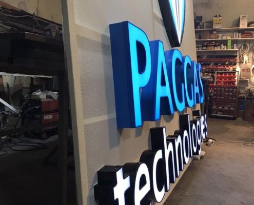Изработка на светещо обемно лого за PAGGAS technologies