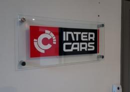 Изработка и монтаж на информационни офис табели за Интер Карс България